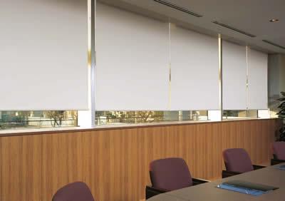 遮光スクリーングラミネートの施工画像
