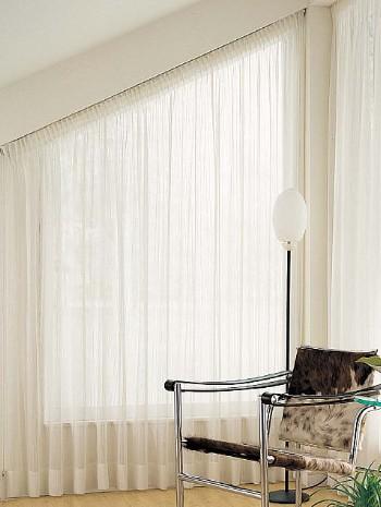傾斜窓用カーテン